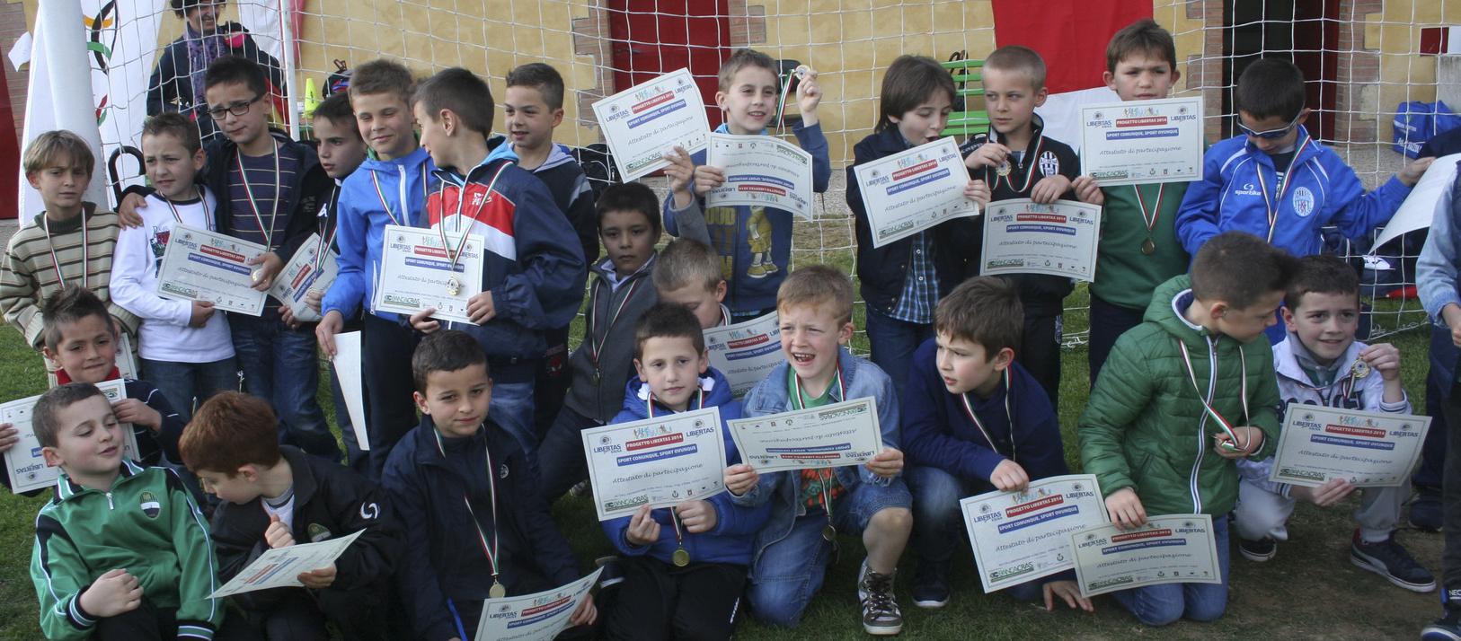 premiazione bambini torneo piccoli amici